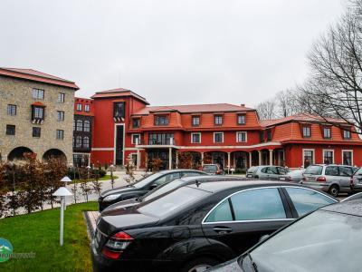 Realizácie - hotely eurookná spoločnosti Eurodreveník s.r.o.